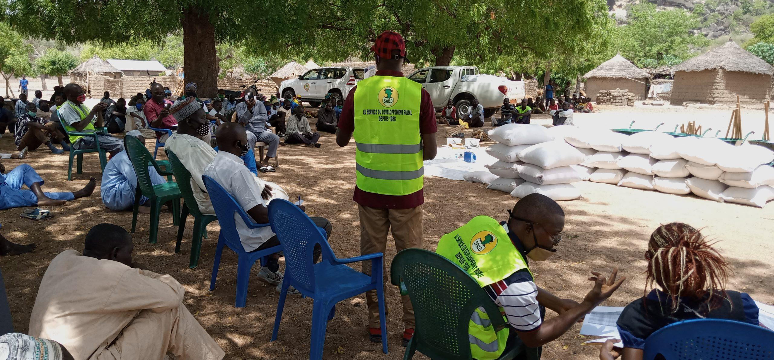 Des semences et outils agricoles pour les agriculteurs de l'Extrême-Nord du Cameroun